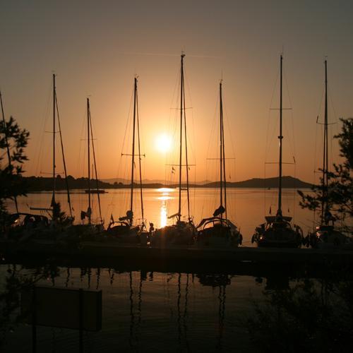 zeilvakantie kroatie zonsondergang zut